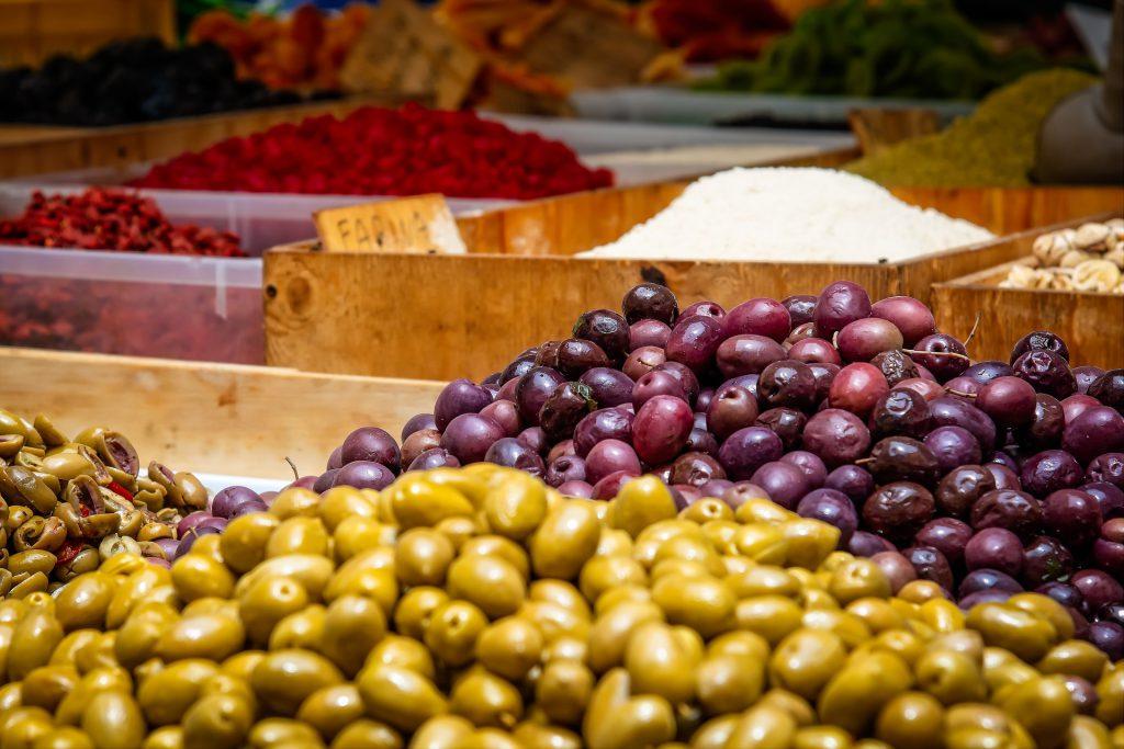 שוק האוכל ברחובות חוויה תרבותית וקולינרית
