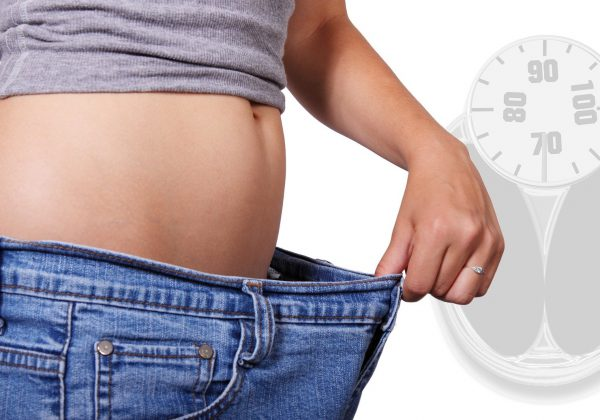 מה הקשר בין פחמימות לירידה במשקל?