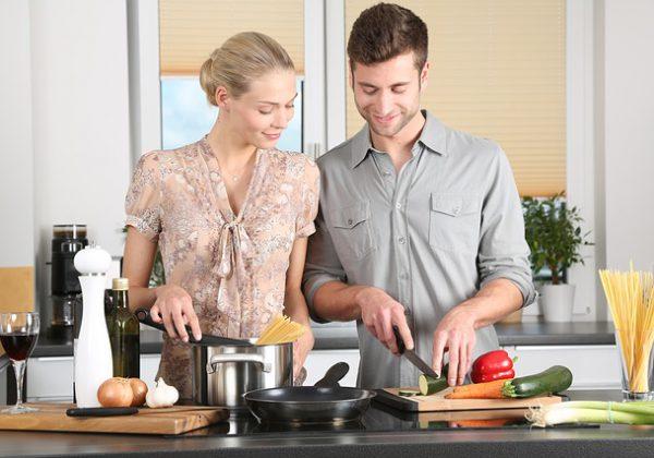 בישול בזול: המוצרים שחייבים לרכוש ברשת
